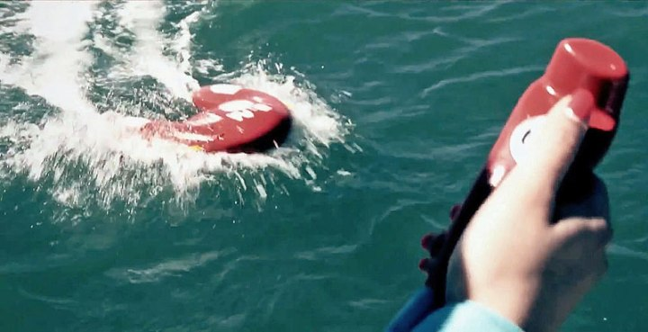noras-u-safe-powered-lifesaving-buoy-6